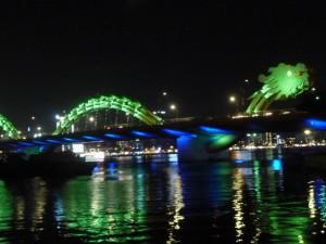 「ベトナム ダナン ドラゴン橋」 阿部 英子